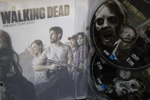 the walking dead dvd blu ray zima1