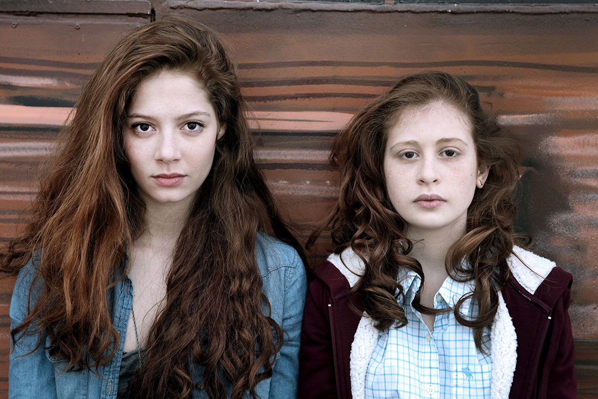 camille-and-lena-in-les-revenants